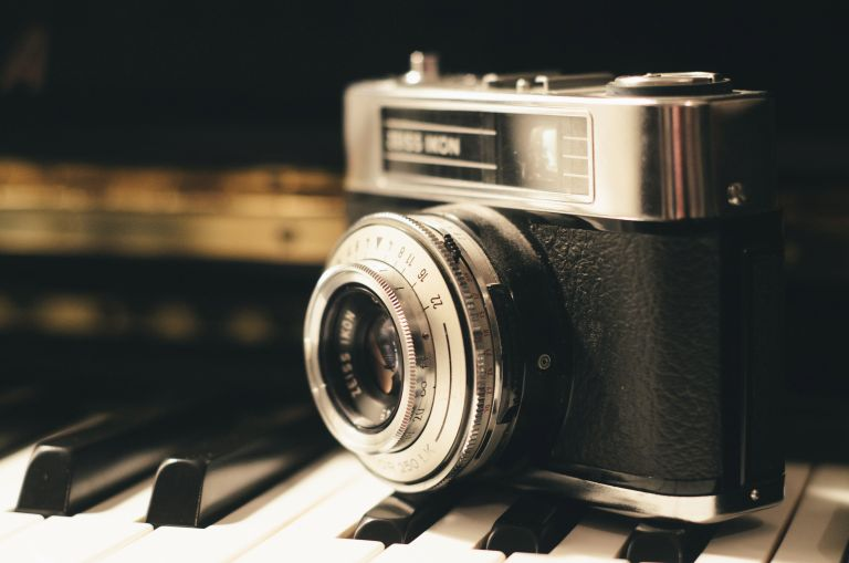 """""""Photography is the only language that can be understood anywhere in the world."""" – Bruno Barbey"""